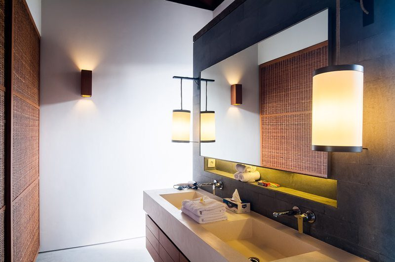 Ambalama Villa His and Hers Bathroom, Seseh | 7 Bedroom Villas Bali