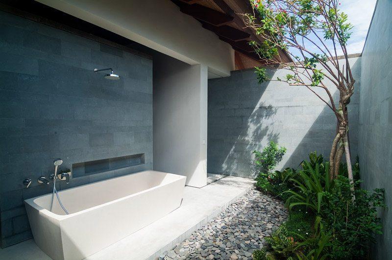 Ambalama Villa Semi Open Bathtub, Seseh | 7 Bedroom Villas Bali