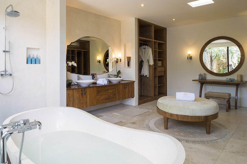 Lataliana Villas Bathroom with Mirror, Seminyak | 7 Bedroom Villas Bali