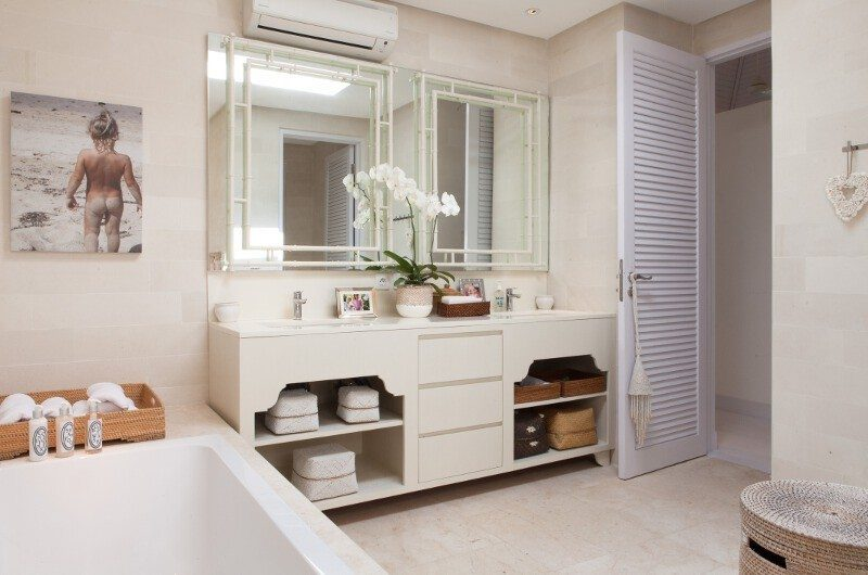 The Cotton House His and Hers Bathroom, Seminyak | 7 Bedroom Villas Bali