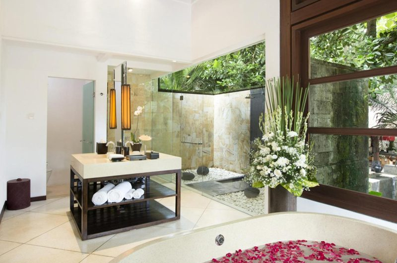 The Sanctuary Bali Semi Open Bathroom with Shower, Canggu | 7 Bedroom Villas Bali