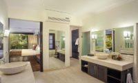 Villa Avalon Bali Bedroom and En-Suite Bathroom, Canggu | 7 Bedroom Villas Bali