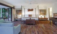 Villa Avalon Bali Bedroom with Seating Area, Canggu | 7 Bedroom Villas Bali