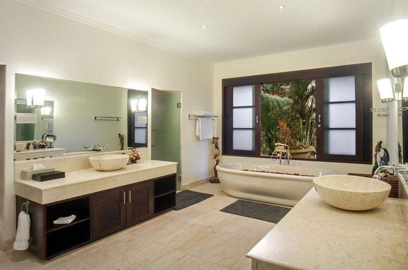 Villa Avalon Bali En-Suite Bathroom, Canggu | 7 Bedroom Villas Bali