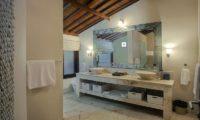 Villa Avalon Bali His and Hers Bathroom, Canggu | 7 Bedroom Villas Bali