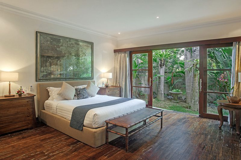 Villa Avalon Bali Bedroom with Wooden Floor, Canggu | 7 Bedroom Villas Bali