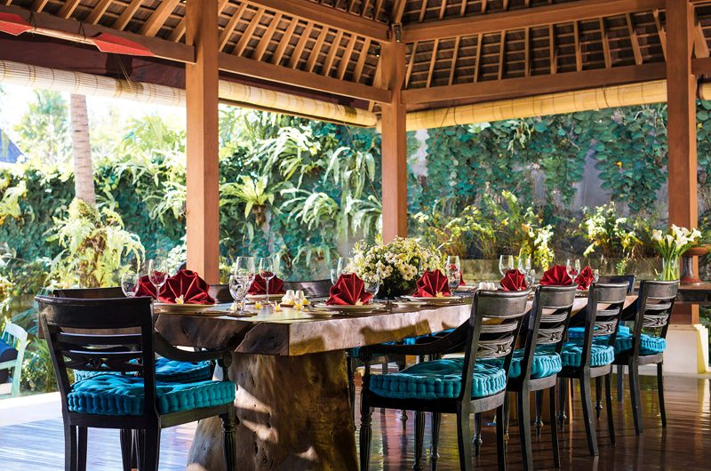Villa Hansa Dining Area with Garden View, Canggu | 7 Bedroom Villas Bali