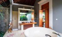 Villa Hansa Romantic His and Hers Bathroom, Canggu | 7 Bedroom Villas Bali