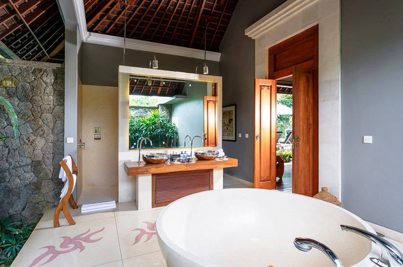 Villa Hansa Romantic His and Hers Bathroom, Canggu | 7 Bedroom Villas Bali