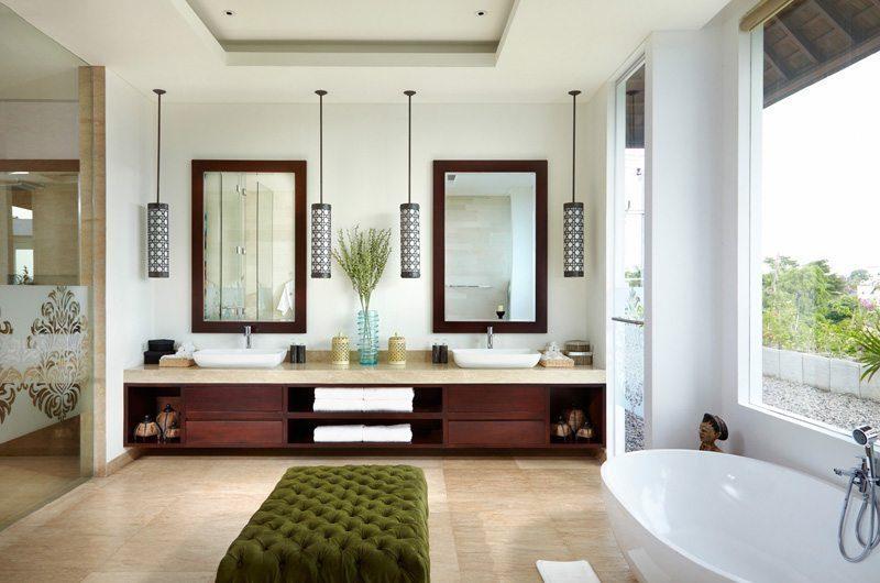 Villa Malaathina His and Hers Bathroom, Umalas | 7 Bedroom Villas Bali