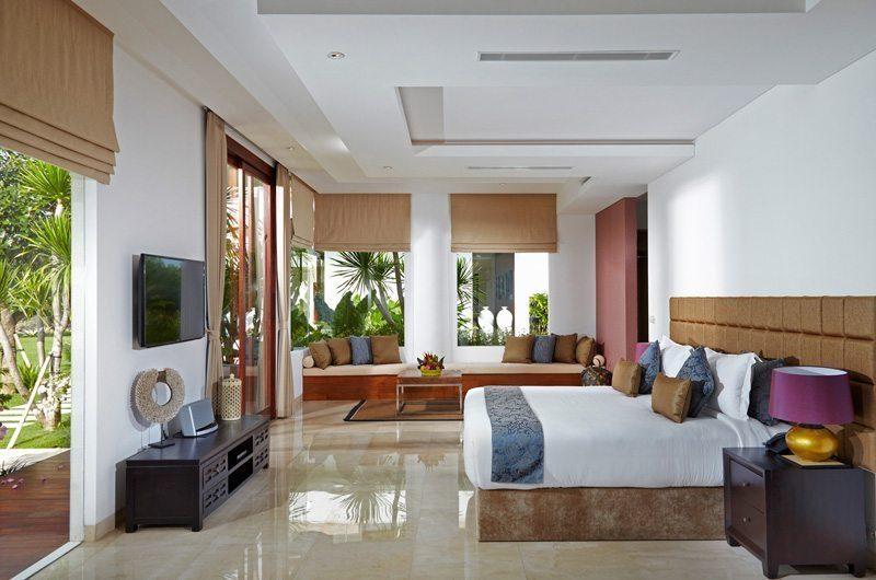 Villa Malaathina Bedroom with Seating Area, Umalas | 7 Bedroom Villas Bali