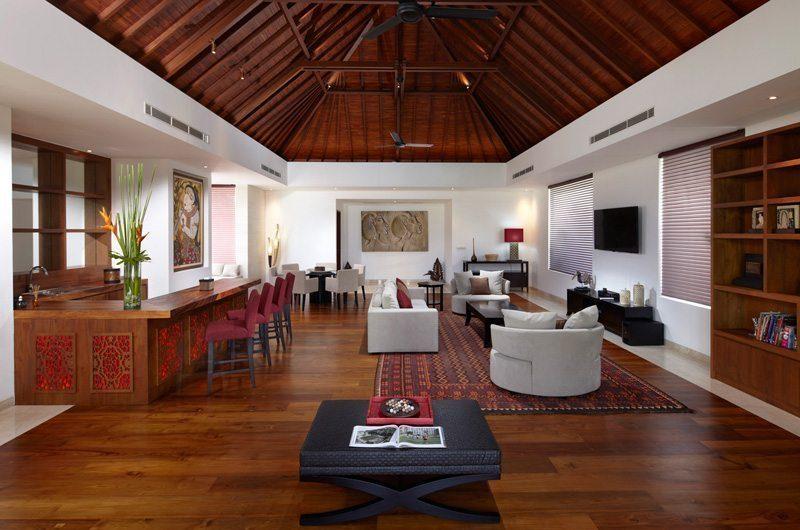 Villa Malaathina Living Area with Breakfast Bar, Umalas | 7 Bedroom Villas Bali