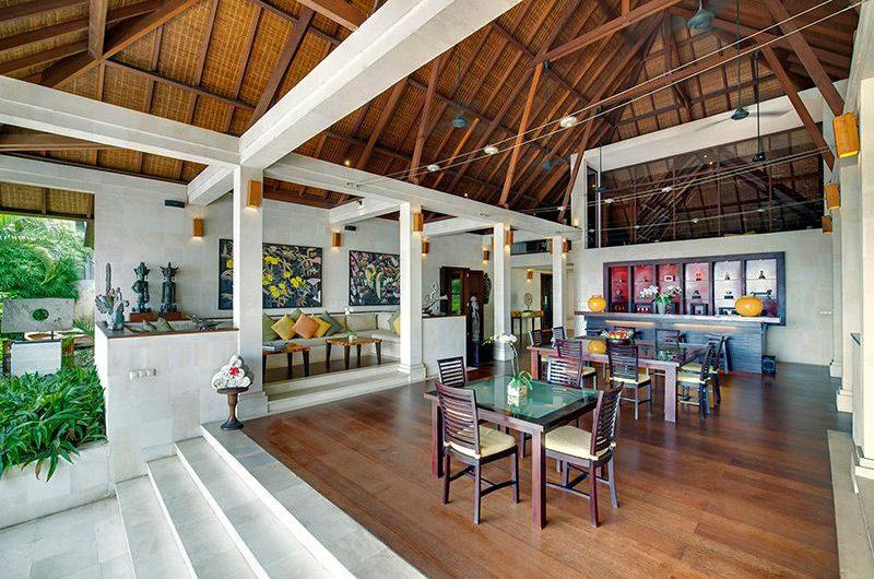 Villa Mandalay Living and Dining Area, Seseh | 7 Bedroom Villas Bali