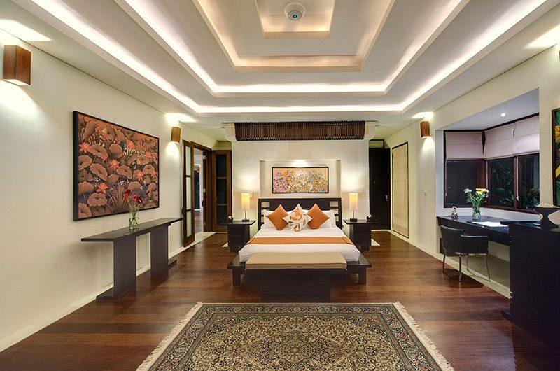 Villa Mandalay Spacious Bedroom with Study Table, Seseh | 7 Bedroom Villas Bali