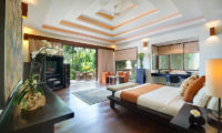 Villa Mandalay Bedroom with Wooden Floor, Seseh | 7 Bedroom Villas Bali