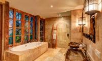 Villa Massilia Bathroom with Bathtub, Seminyak | 7 Bedroom Villas Bali
