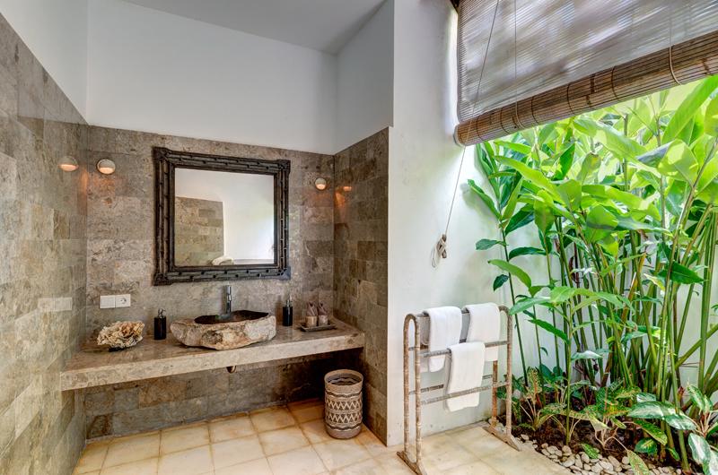 Villa Massilia Semi Open Bathroom, Seminyak | 7 Bedroom Villas Bali