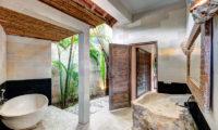 Villa Massilia En-Suite Bathroom, Seminyak | 7 Bedroom Villas Bali