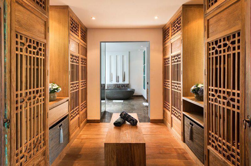 Villa Tiga Puluh Walk-In Wardrobe, Seminyak | 7 Bedroom Villas Bali