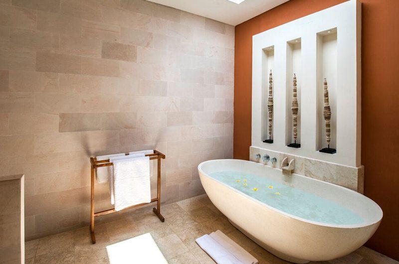 Villa Tiga Puluh Bathtub, Seminyak | 7 Bedroom Villas Bali