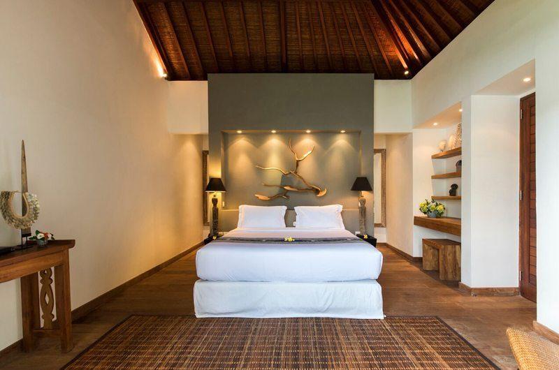 Villa Tiga Puluh Bedroom with Wooden Floor, Seminyak | 7 Bedroom Villas Bali