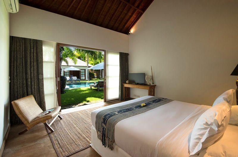Villa Tiga Puluh Bedroom with TV, Seminyak | 7 Bedroom Villas Bali