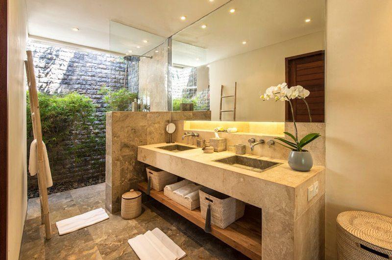 Villa Tiga Puluh His and Hers Bathroom, Seminyak | 7 Bedroom Villas Bali