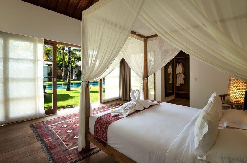 Villa Tiga Puluh Spacious Bedroom with Pool View, Seminyak | 7 Bedroom Villas Bali