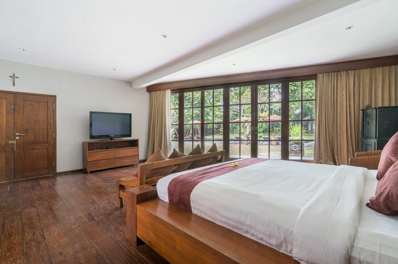 Villa Tirtadari Bedroom with TV, Umalas | 7 Bedroom Villas Bali