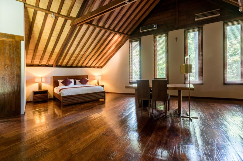 Villa Tirtadari Bedroom with Study Table, Umalas | 7 Bedroom Villas Bali